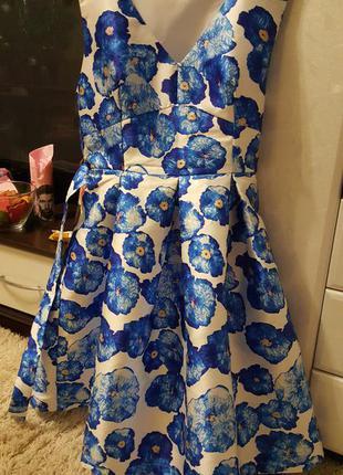 Нарядное платье пышное lamania