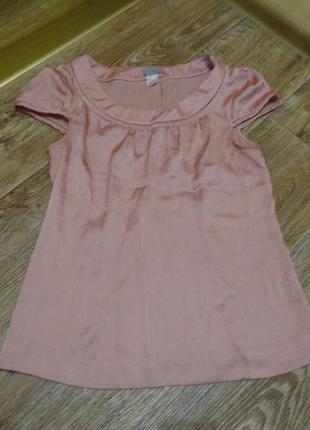 Нежно-розовая блузка с коротким рукавом