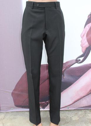 Черные штаны классика george regular fit