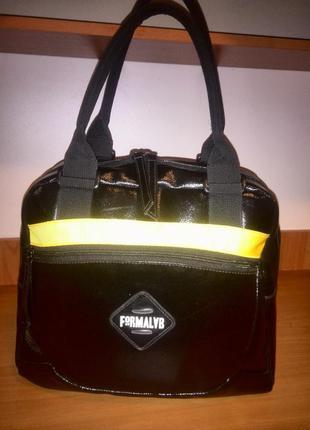 Удобная и вместительная сумка