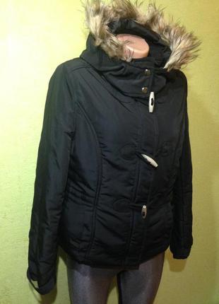 Куртка чёрная  с мехом на капюшоне фирменная tally weijl