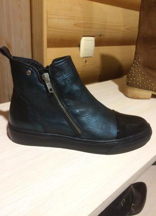 Сникерки ботики ботинки туфли кожа кожаные 35 39