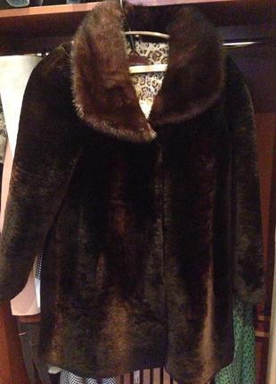 Мутоновый полушубок с норковым воротничком (женский)