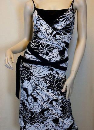 Черно-белый сарафан с цветочным принтом и длинным поясом bandolera