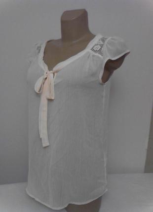 Нежно розовая полупрозрачная блузка с кружевными вставками2