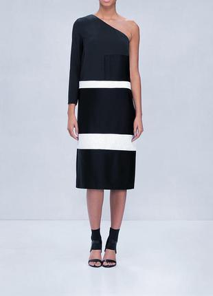 Стильное, эксклюзивное платье на одно плечо от известного бренда
