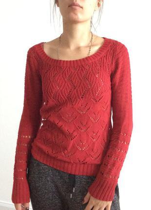 Крутой вишневый свитер stradivarius на размер 8(36)