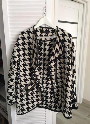 Пиджак черно-белый sara