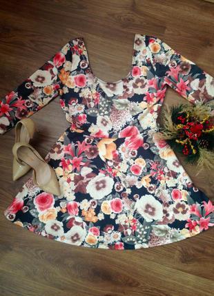 Очень красивое платье солнце-клёш в крупные цветы