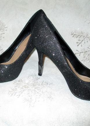 Шикарные туфли-лодочки с блестками с очень красивым каблуком new look