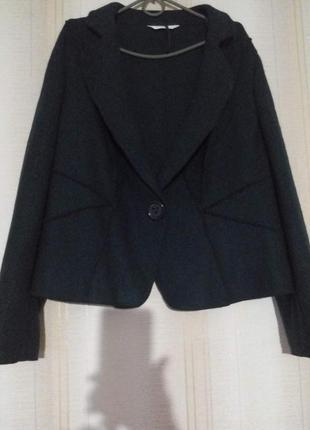 Пиджак темно-зеленый цвет