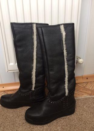 Кожаные черные сапоги с овчинным мехом