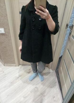 Практичное в свободном oversize стиле и стильное черное классическое бойфренд  пальто