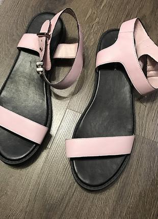 Модные сандали/ босоножки new look