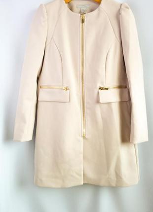 Пальто h&m.