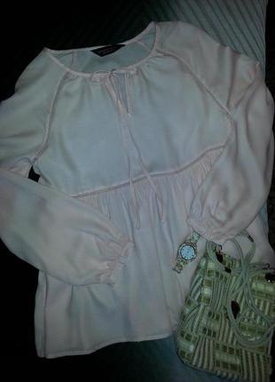 Нежнейшая кремово-персиковая блуза из вискозы