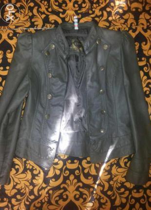 Шикарная куртка (кожанка)