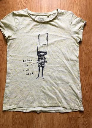 Крутая футболка с кроликом
