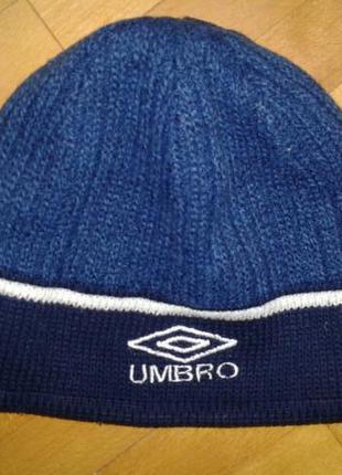 Спортивная фирменная шапочка umbro (двойная)