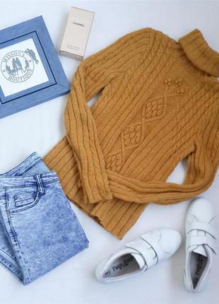 В*язаний светр гірчичного кольору з шерсті