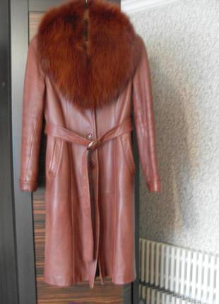 Кожаное пальто натурал. кожа и мех