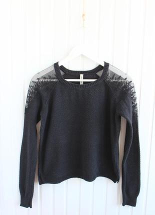 Классный свитер stradivarius с кружевом размер s