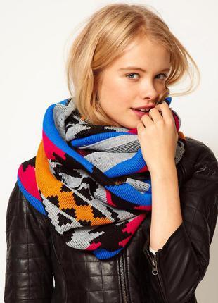 Теплый широкий большой яркий шарф снуд хомут с орнаментом с этническим геометрическим принтом