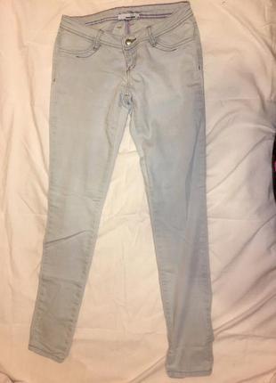Светлые джинсы tally wejl