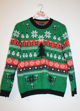 Яркий вязаный свитер,  джемпер с узорами, зимними орнаментами, елками и снеговиками