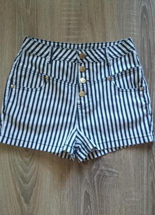 Джинсовые шорты в полоску