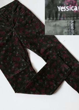 Стильные  микро вильвет штаны с цветочным принтом