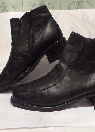 Ботинки кожа 39 размер