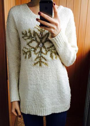 Очень нежный свитерок !со снежинкой )))