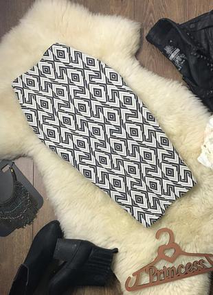 Красивая юбка-карандаш с крупным геометрическим принтом    ki0333    stradivarius