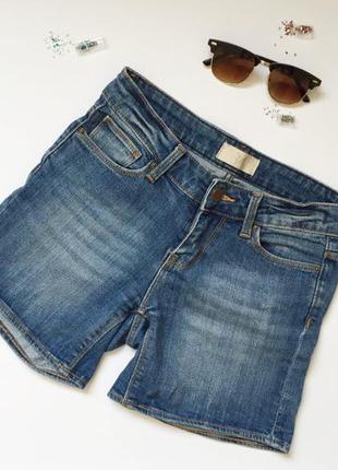 Джинсові шорти, потрібно підкачувати так вони будуть коротшими) від крутої фірми  zara) розмір xs-s)