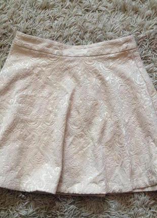 Фактурная нюдовая юбка-солнце в стиле ампир