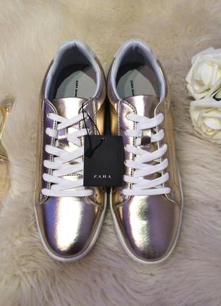 Золотые кроссовки, мокасины zara