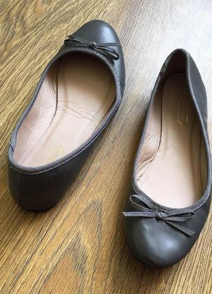 """Чудові сірі балетки від """"dorothyperkins"""". гарно виглядають на ніжках)"""