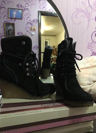 Натуральные новые ботинки сапоги полусапожки скетчерз skechers