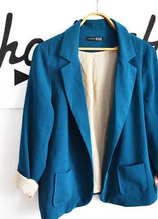 Пиджак с подкатом на рукавах