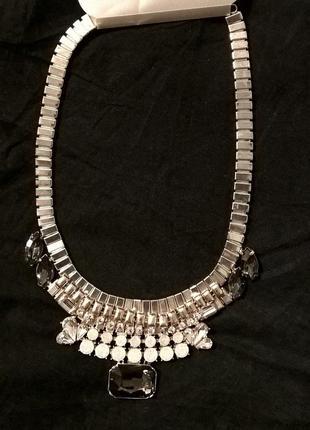 Ожерелье фирменное