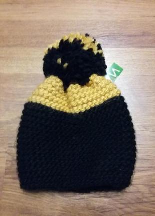 Теплая новая шапка