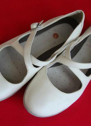 Балетки clarks white натур кожа 40 размер