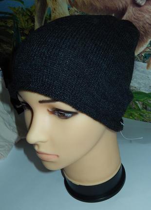 H&m классная демисезонная шапка,р-р универсальный,сток