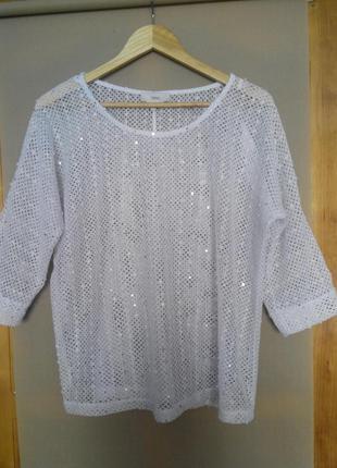 Стильная блуза с паетками