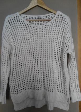 Классный белый свитер - сетка