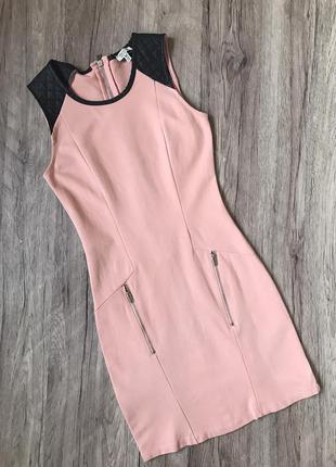 Розовое платье bershka с контрастными плечиками