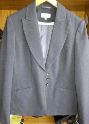 Пиджачок от бренда marks & spencer