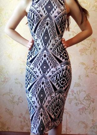 Платье длины миди в орнамент черное, белое от atmosphere размер xs
