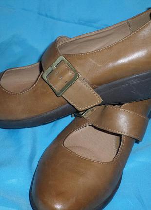 Кожаные туфли clarks active air р 40-41 27 см сост новых